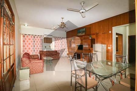 ڈی ایچ اے فیز 2 - بلاک کیو فیز 2 ڈیفنس (ڈی ایچ اے) لاہور میں 5 کمروں کا 1 کنال مکان 2 لاکھ میں کرایہ پر دستیاب ہے۔