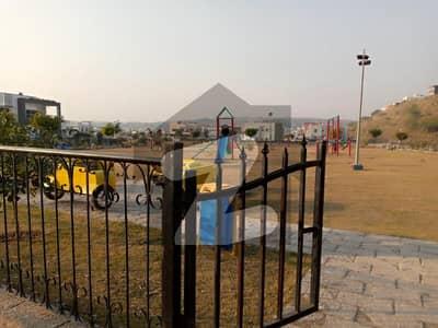 بحریہ گرینز۔ اوورسیز انکلیو - سیکٹر 4 بحریہ گرینز۔ اوورسیز انکلیو بحریہ ٹاؤن فیز 8 بحریہ ٹاؤن راولپنڈی راولپنڈی میں 1 کنال رہائشی پلاٹ 1.7 کروڑ میں برائے فروخت۔