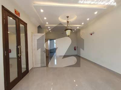 ڈی ایچ اے 9 ٹاؤن ۔ بلاک سی ڈی ایچ اے 9 ٹاؤن ڈیفنس (ڈی ایچ اے) لاہور میں 3 کمروں کا 5 مرلہ مکان 1.75 کروڑ میں برائے فروخت۔