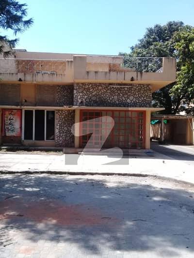 ایف ۔ 6 اسلام آباد میں 8 کمروں کا 3 کنال مکان 45 کروڑ میں برائے فروخت۔