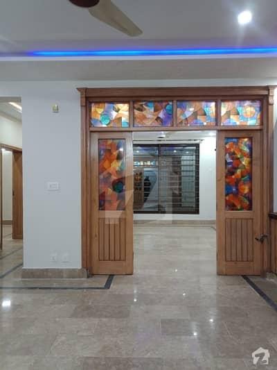 جی ۔ 14/4 جی ۔ 14 اسلام آباد میں 6 کمروں کا 9 مرلہ مکان 3.52 کروڑ میں برائے فروخت۔