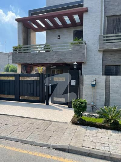 10 Marla House with 5 Beds for Sale in Central Orchard Phase I Lahore