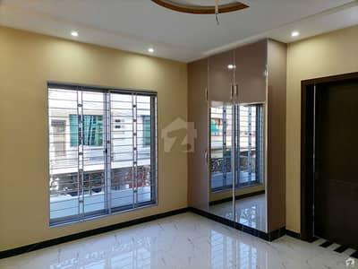 سبزہ زار سکیم ۔ بلاک این سبزہ زار سکیم لاہور میں 5 کمروں کا 10 مرلہ مکان 3.82 کروڑ میں برائے فروخت۔