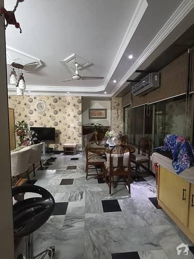 ای ۔ 11/1 ای ۔ 11 اسلام آباد میں 11 کمروں کا 12 مرلہ مکان 8 کروڑ میں برائے فروخت۔