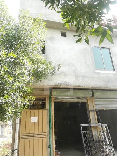 نشتر کالونی لاہور میں 3 کمروں کا 4 مرلہ مکان 14 ہزار میں کرایہ پر دستیاب ہے۔