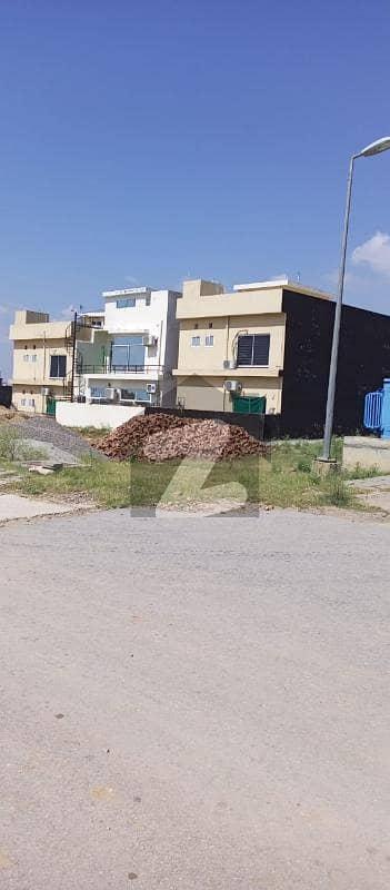 بحریہ ٹاؤن فیز 8 ۔ بلاک جے بحریہ ٹاؤن فیز 8 بحریہ ٹاؤن راولپنڈی راولپنڈی میں 10 مرلہ رہائشی پلاٹ 82 لاکھ میں برائے فروخت۔