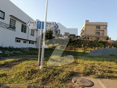 بحریہ ٹاؤن فیز 8 ۔ بلاک بی بحریہ ٹاؤن فیز 8 بحریہ ٹاؤن راولپنڈی راولپنڈی میں 10 مرلہ رہائشی پلاٹ 95 لاکھ میں برائے فروخت۔