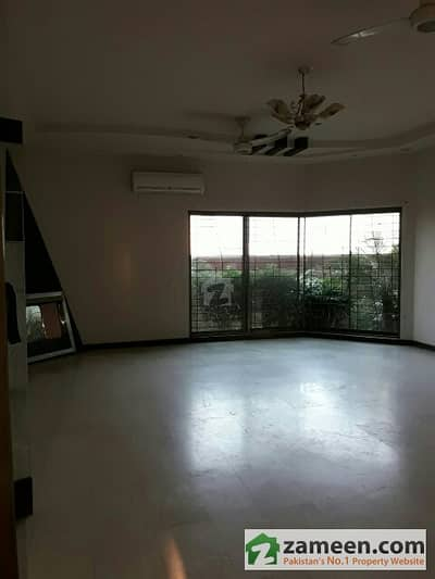 Beautiful 1 Kanal Lower Portion  Near Sports Complex Phase 6 For Rent