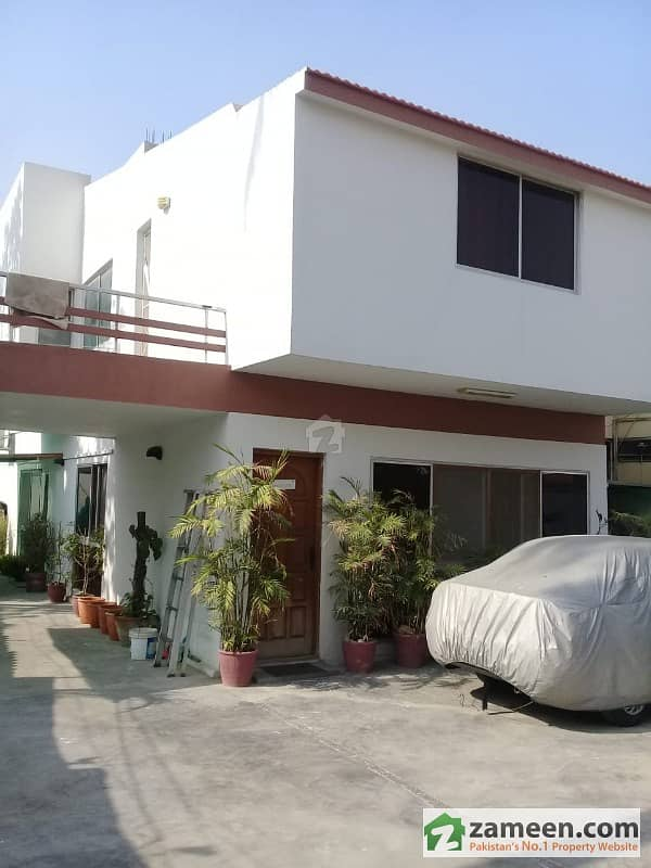 4 Bedroom Town House For Sale In Clifton Block 8