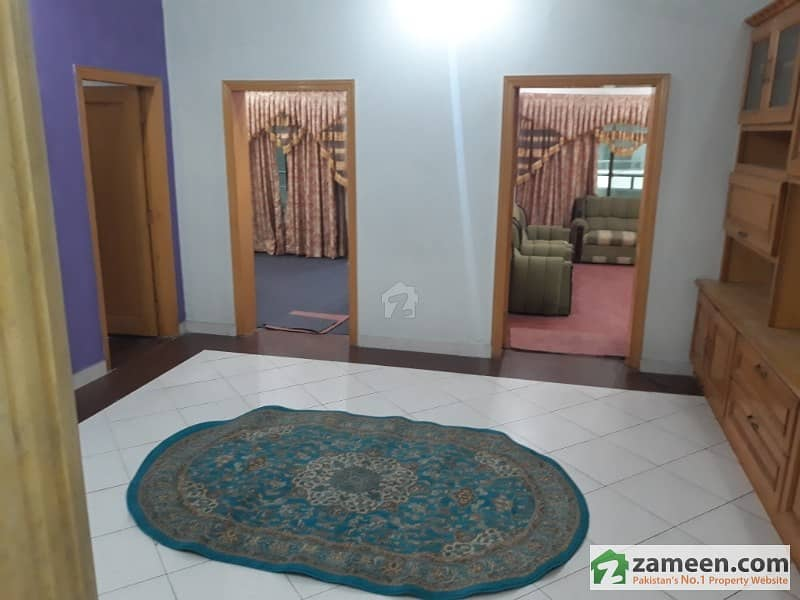 Flat For Sale In Deans Flat Near Hayatabad Chowk