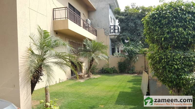 1 Kanal Brand  New House 5 Bed Outstanding Location And Low Price