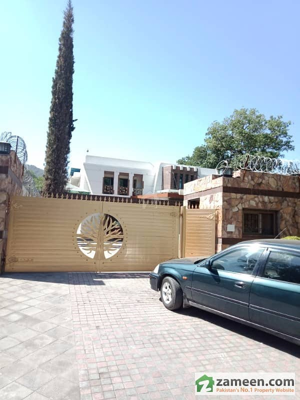 Extraordinary Beautiful House For Sale 2500 Sq Yards