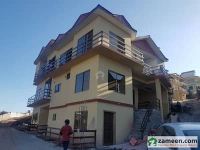 4 Marla Triple Storey Villa For Sale
