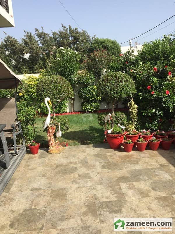 Chance Deal 400 Sq Yards Outclass Owner Built Bungalow For Sale In Dha Duplex With Basement
