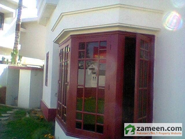 3 TOWN HOUSES FULL FURNISHED ON RENT