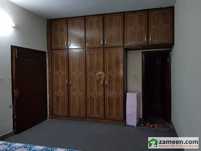 Banigala Good Location 1. 5 Kanal    Lower Portion   For Rent