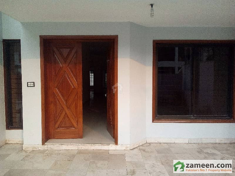 1 Kanal Double Storey Bungalow In Lahore Cantt  Near Fortress Stadium