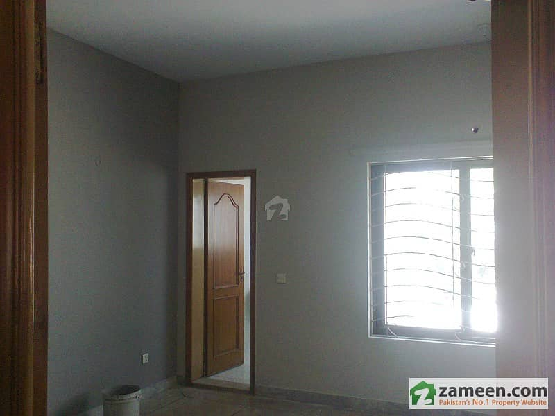 1kanal DHA phase2 1kanal lower portion house for rent.