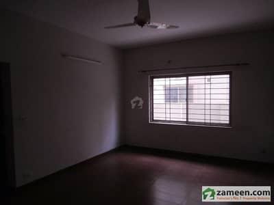 عسکری 10 - سیکٹر سی عسکری 10 عسکری لاہور میں 3 کمروں کا 10 مرلہ مکان 3 کروڑ میں برائے فروخت۔