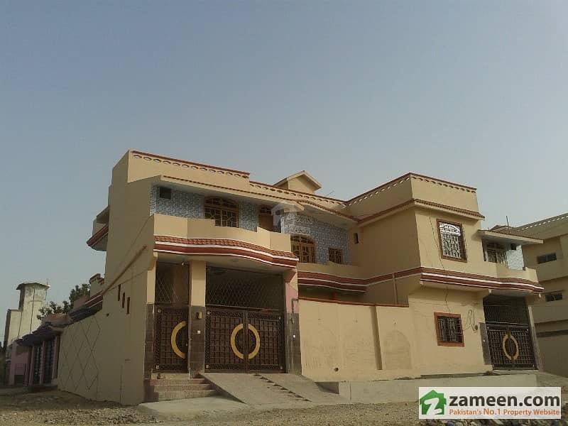 سندھ یونیورسٹی ایمپلائیز ہاؤسنگ سوسائٹی حیدر آباد میں 10 کمروں کا 12 مرلہ مکان 1. 95 کروڑ میں برائے فروخت۔