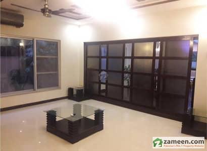 First Floor Flat 2 Bed Room Tv Hall Kitchen Tiled Floor