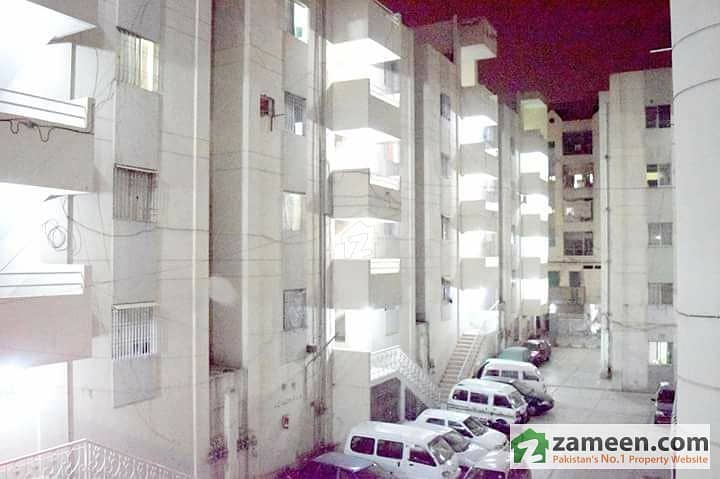 Shaes Apartment Gulistan E Jauhar Block 4 Main University