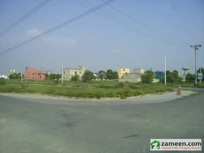 House Is Available For SaleOn Canal Road