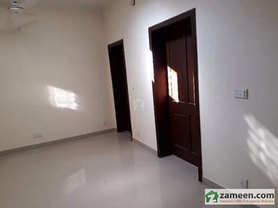 F-7/1 Old House For Sale Size 1066 Square Yard Low Price