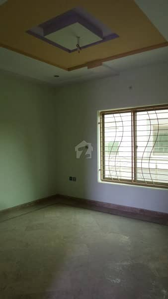 Triple Storey Commercial House Is Available For Sale