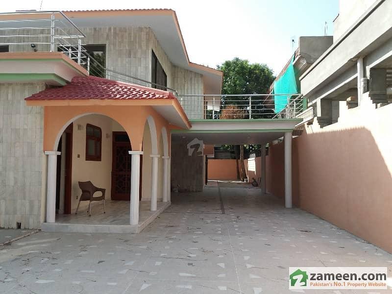 ایف ۔ 10/1 ایف ۔ 10 اسلام آباد میں 7 کمروں کا 2.04 کنال مکان 16 کروڑ میں برائے فروخت۔