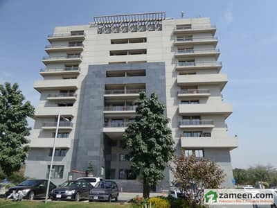 Flat Avaiable For Sale In F-10 Silver Oaks