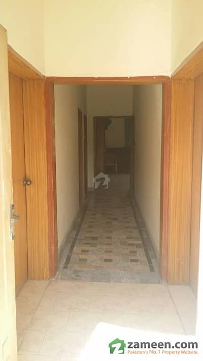 Gulberg Room For Rent