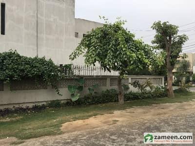 گلبرگ 4 گلبرگ لاہور میں 1.1 کنال مکان 6.5 کروڑ میں برائے فروخت۔