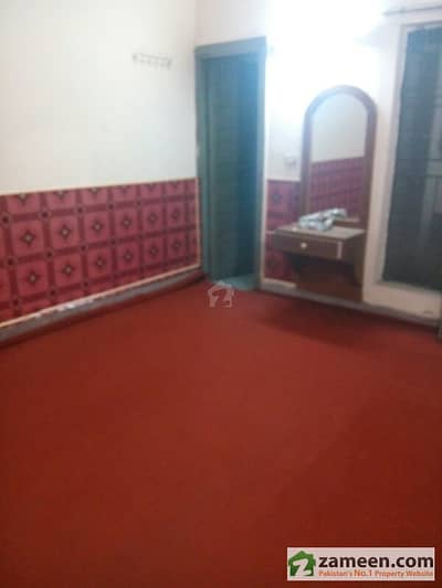 Separate Room Available Near Barkat Market Garden Town