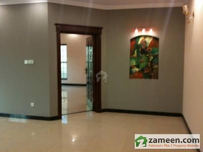 F-10, Silver Oaks - Luxury 1 Bedroom Apartment For Sale