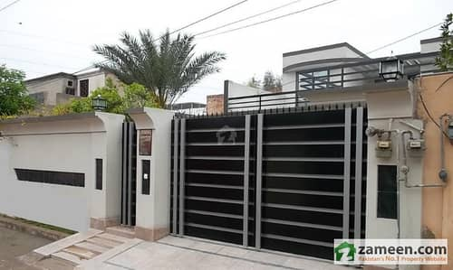 Lush Condition 12 Marla Stylish House Urgent For Sale