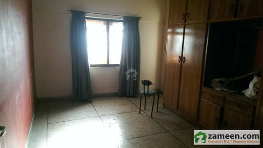 Karim Plaza Apartment For Sale At Stadium Rd - Block 14