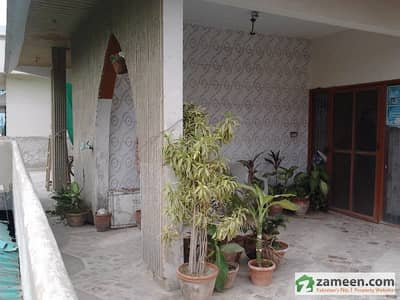400 Yards Gulshan Iqbal Block-2 West Open Triple Story House Low Price