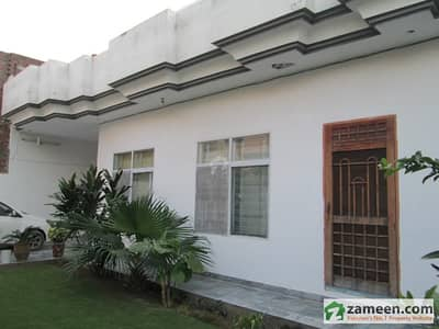 Centrally Located 50x66 Double Storey House In Madina Colony Jinnah Road Gujranwala