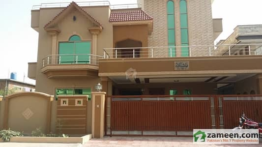 1 Kanal House Police Foundation Very Decoratively Built In A Very Nice Location 2 Minutes Drive From Main Road