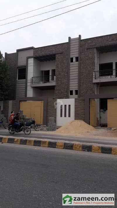 4 Bedrooms Portion With Roof For Sale At PECHS Kashmir  Road Karachi