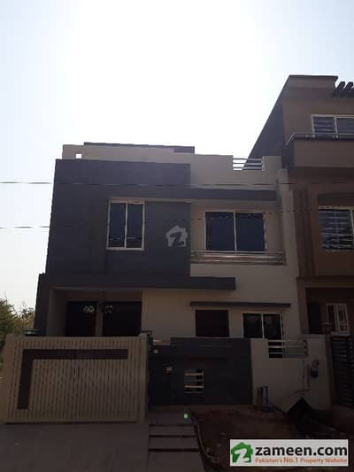 Size 25x40 Brand New House For Sale In G-13/1