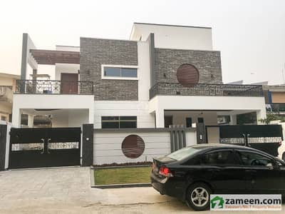 500 Sq. Yard 12 Bed Rooms Brand New Triple Storey Modern Architect Design House For Sale