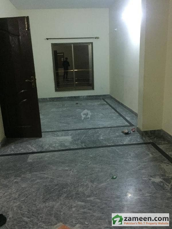 Brand New Flat In Muslim Town Near Main Canal Road