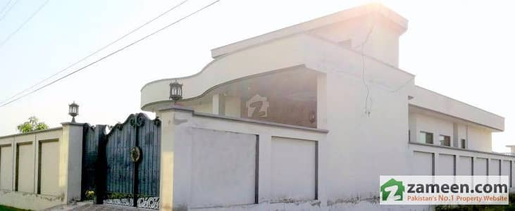 1 Kanal House In Green Town