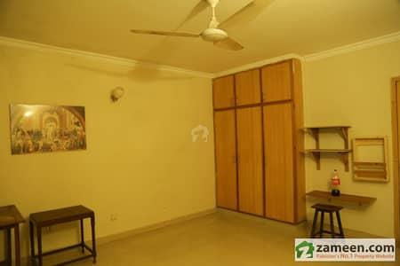Semi Furnished Room With Kitchen + Lounge In Rehman Gardens Bhatta Chowk