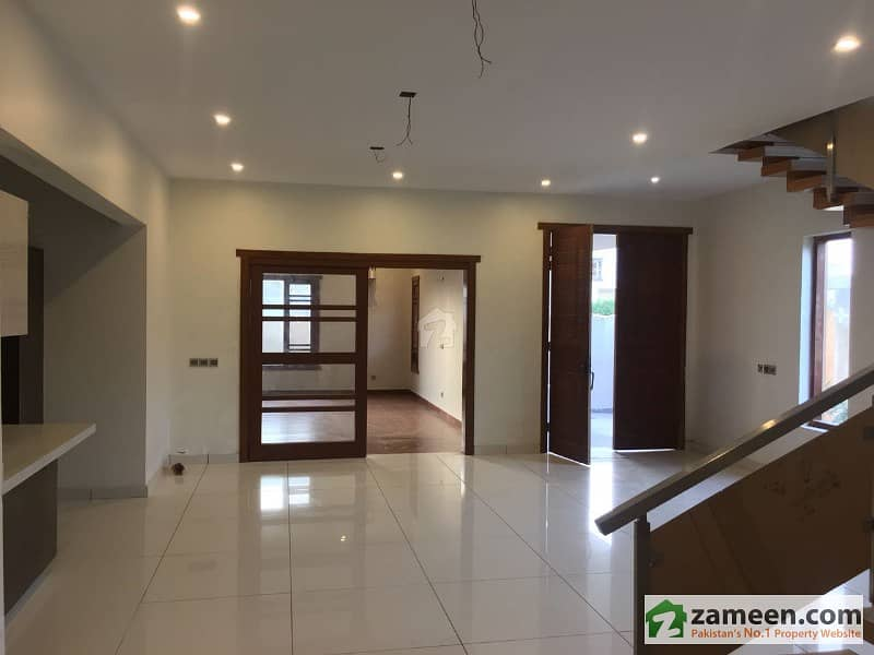 Brand New 400 Sq Yards 5 Beds Independent House