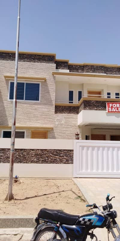 40x80 House Brand New Sun Facing For Sale In G-13/4 On Excellent Location