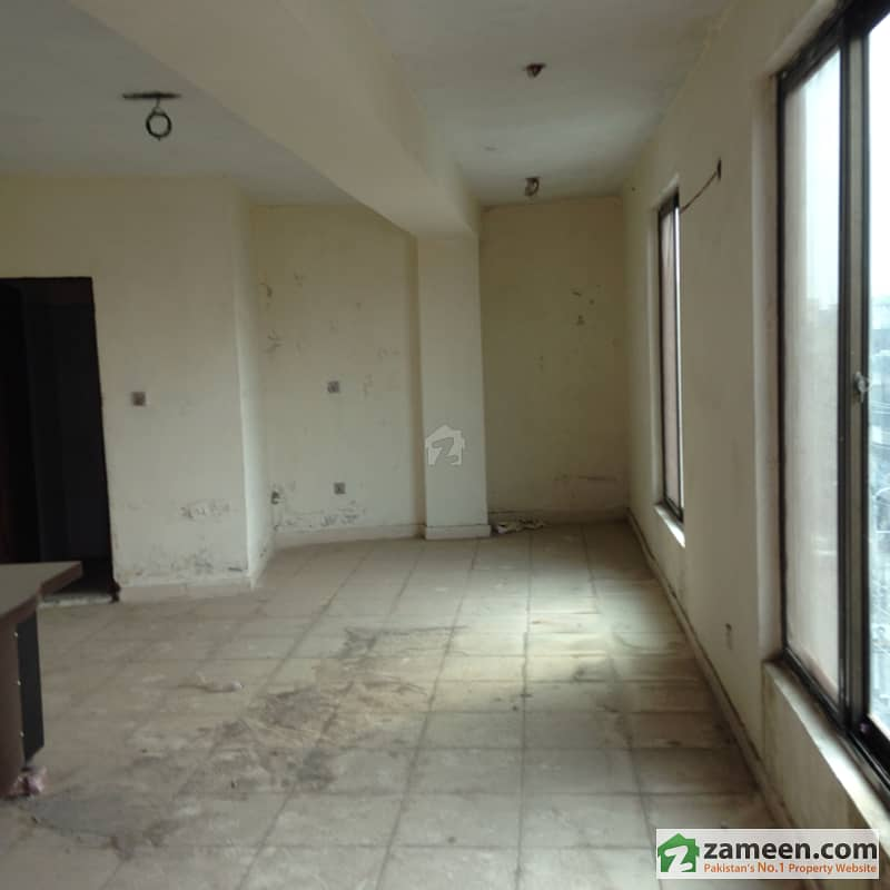 Office Flat Of 420 Sqft For Sale At Seth Center Near Mall Road