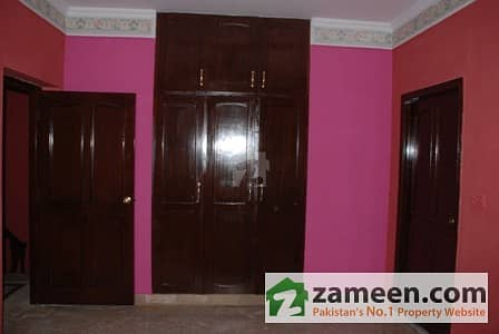 1. 5 Kanal Upper Portions Fully Marble For Rent In Main Cantt Shami Road